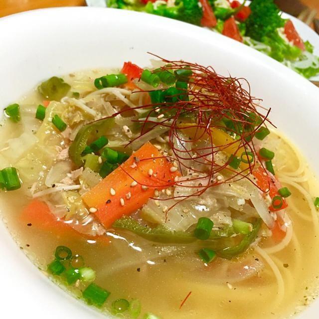 今日の晩御飯は野菜たっぷりのスープスパゲティーを、コンソメベースに柚子胡椒をピリリときかせて - 57件のもぐもぐ - ツナと白菜の柚子胡椒スープスパゲティー by fighterscurry