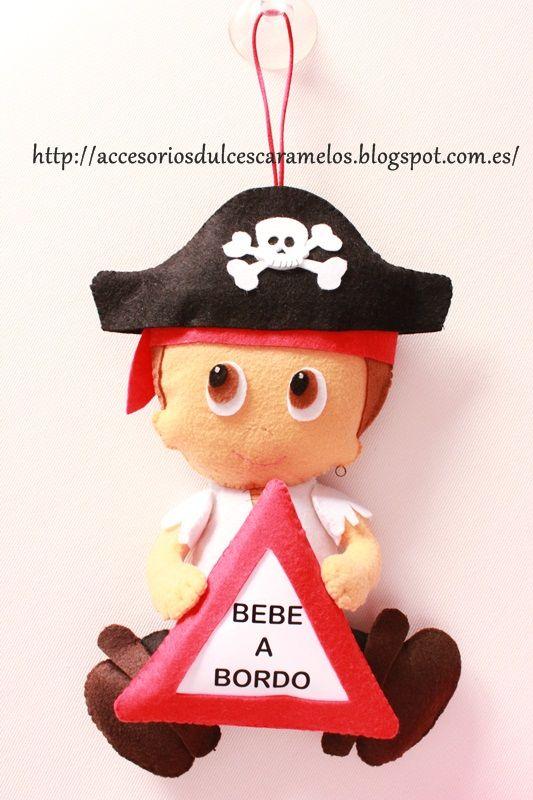 Hugo a Bordo, bebé a bordo en fieltro temática piratas / Hugo on board, baby on board felt pirate theme  http://accesoriosdulcescaramelos.blogspot.com.es/2015/01/bebe-bordo-hugo-fieltro.html