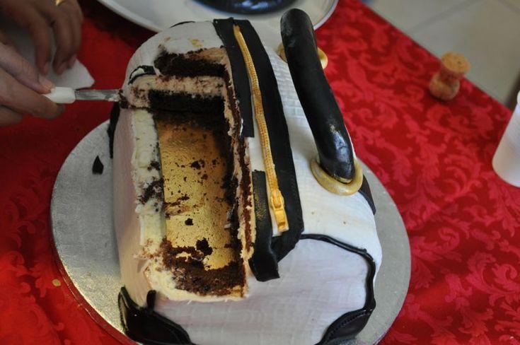 """Ricetta Torta borsa chanel """"compleanno Ilaria"""" -apemaia31- pubblicata da apemaia31 - Questa ricetta è nella categoria Prodotti da forno dolci"""