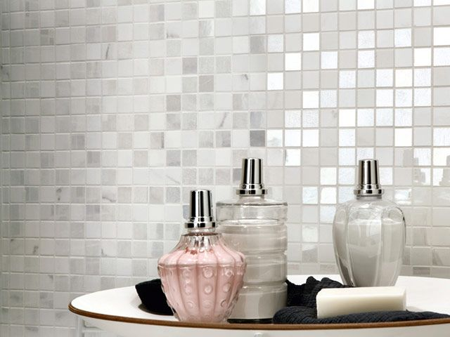 srebrna mozaika NovaBell, elegancka łazienka