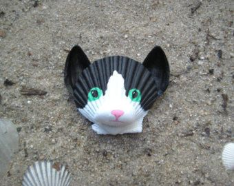 Black and white cat magnet. Seashell cat magnet. Hand painted beach, nautical, Cape Cod cat art.