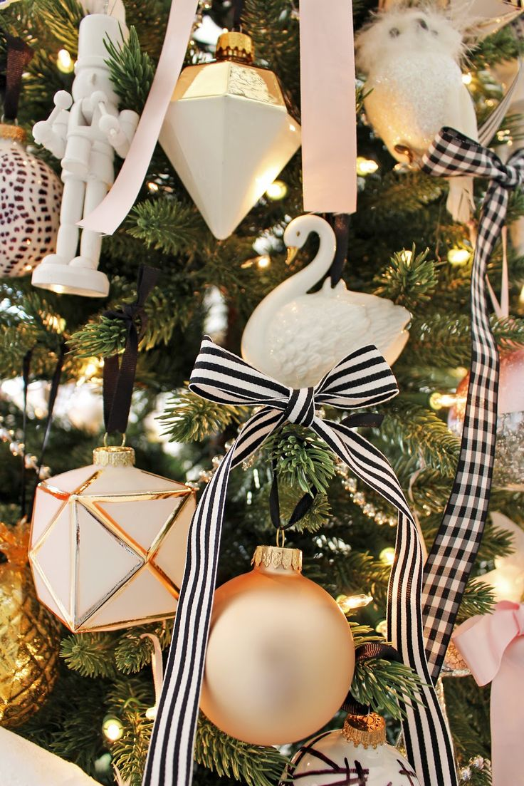 Superior Maroon Christmas Ornaments Part - 14: ... And Elegant Christmas Decor, Christmas Tree In The Foyer, Black And  White Christmas Tree, DIY Christmas Ornaments, Stylish Holiday Mantle, Pink  Maroon ...