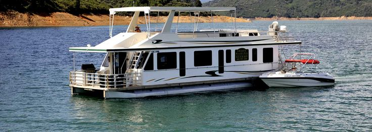 The Sixteen Sleeper Mirage | Shasta Lake Houseboat Rentals