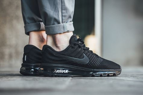 new product 20824 6e95f nike-air-max-2017-triple-black-on-feet-849559-004 (1)