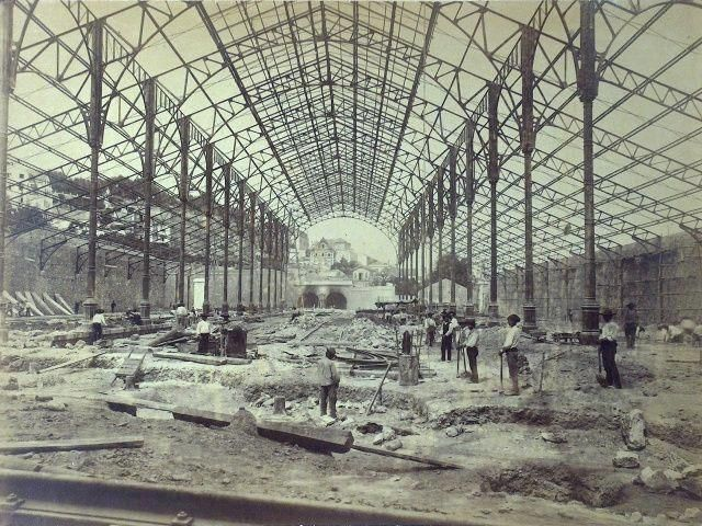 EM 1886... Foto dos trabalhos de construção da Estação Ferroviária do Rossio. Uma grande cidade, construída por muitas gerações.