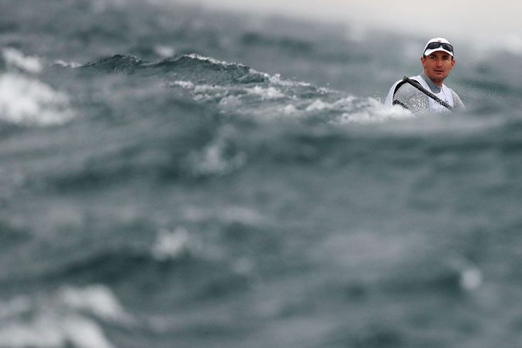 Giles Scott of Great Britain competes in the Men's Finn class on Day 5 of Rio 2016 at the Marina da Gloria on August 10, 2016. #  Clive Mason / Getty