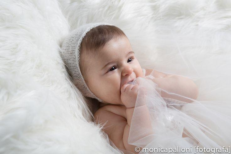 Princess in white  #babygirl #love #cute #amore #moments #smile #fun #felicità #foto #newlife #monicapallonifotografa