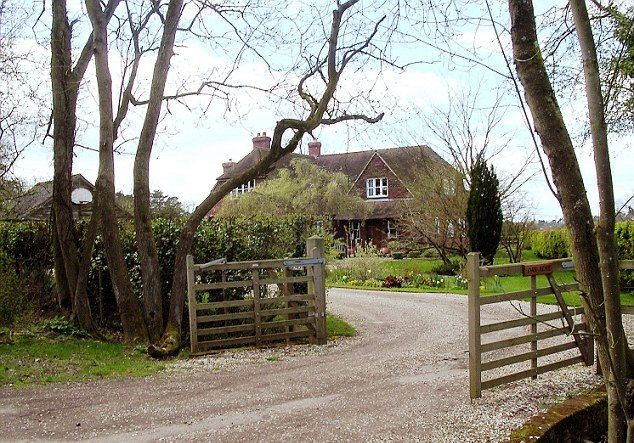 Royalty Kate Middleton S Family Home In Bucklebury