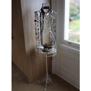 Dimensions:Hauteur 150 cm x Largeur 33 cm    Charmant mannequin en métal blanc patiné.  Il vous servira de porte bijoux ou accessoires divers.  Dans votre chambre ou salle de bain, il donnera du style et du charme à votre décoration.