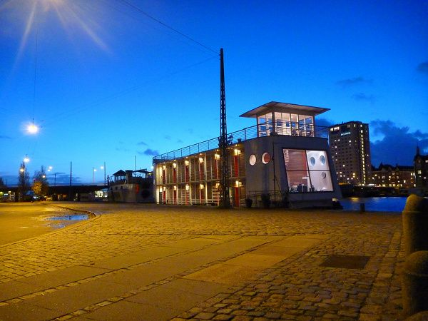 CPH Living Floating Barge Hotel 3
