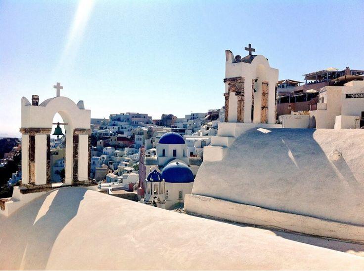 #Oia #Santorini #Greece #Travel  #bluedomes | www.santoriniplus.net