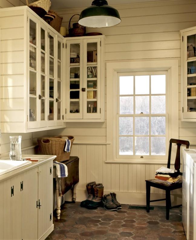 Mudroom Crisp Architect: Laundry Room By Crisp Architects
