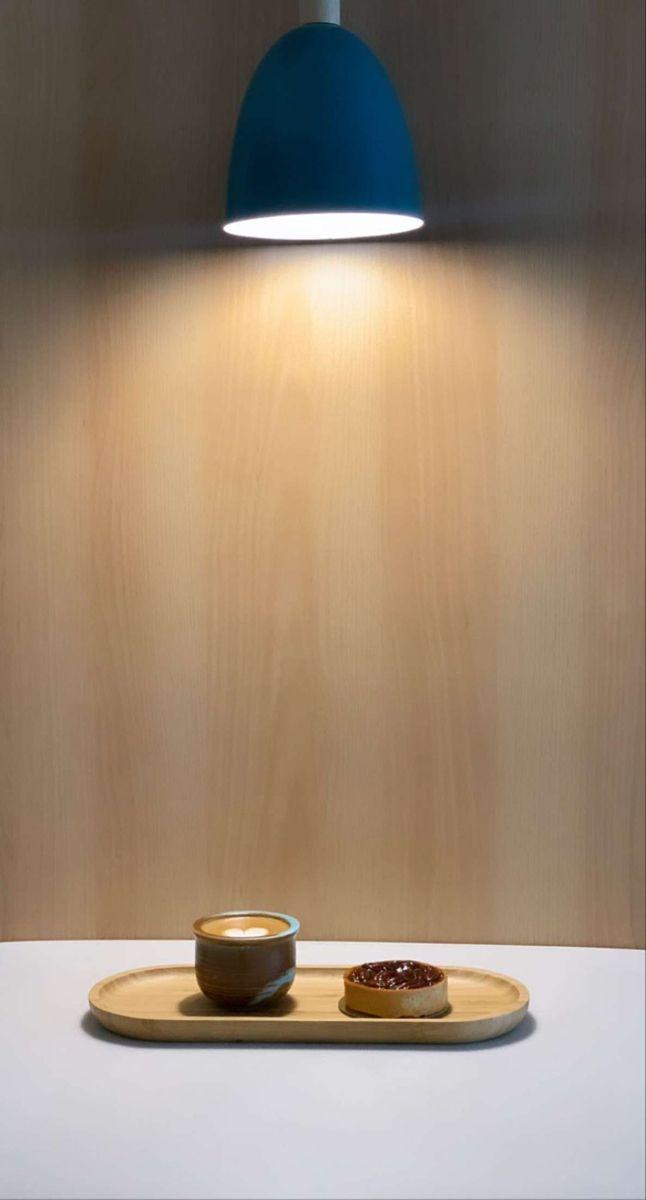 ابدأ يومك بكل نشاط مع قهوة سميراء باريستا قهوة قهوة باردة كوفيهات قهوة سوداء كوفي شوب الرياض المساء جديد الرياض كافي Wall Lights Desk Lamp Table Lamp