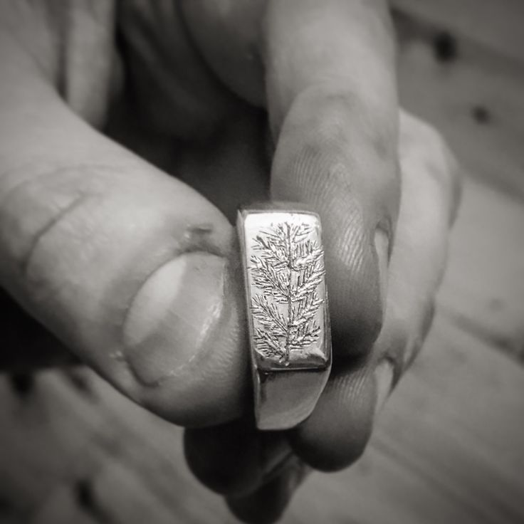 I finally got to finish the Fir Forest Signet ring!