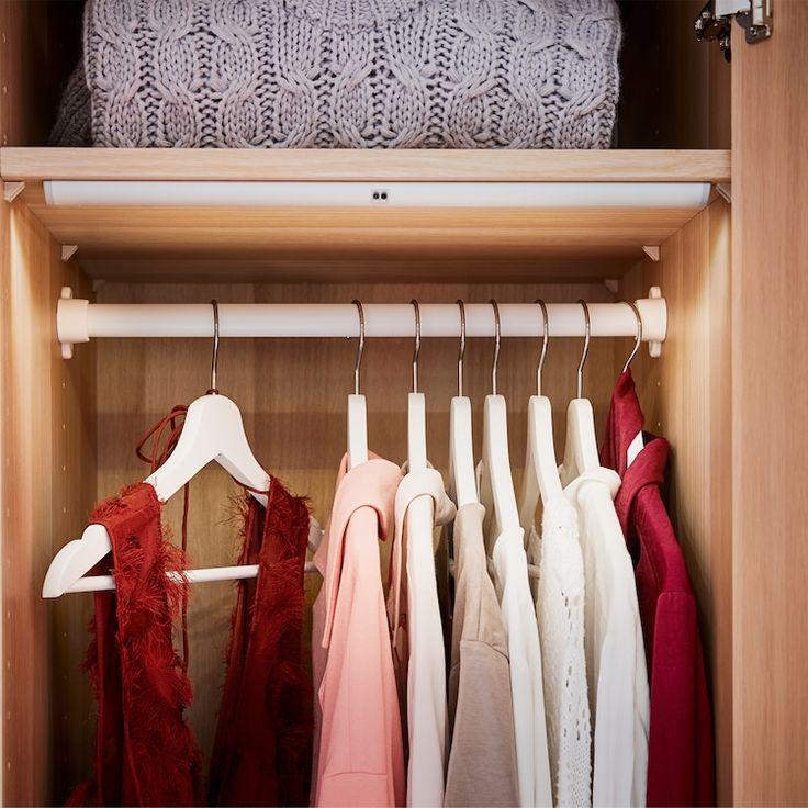 Una camera da letto dai colori coordinati Camera da