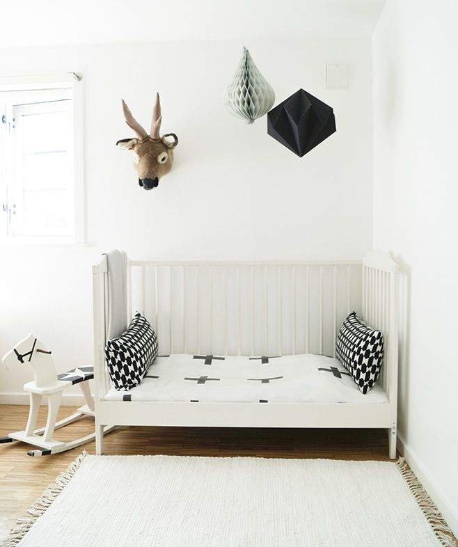 kidsroom, bed, scandinavian, scandistyle, origami, deer, black and white interior