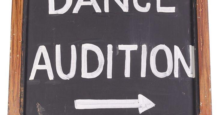 Cómo aprender una coreografía rápidamente en una audición de baile. Aprender rápidamente la coreografía para una audición es a menudo un requisito para conseguir con éxito el puesto. Puede ser difícil memorizar los pasos bajo presión, sobre todo sabiendo la gran oportunidad que puede representar la audición. Aunque no hay ningún secreto especial para aprender la coreografía fácilmente, hay consejos que pueden ...