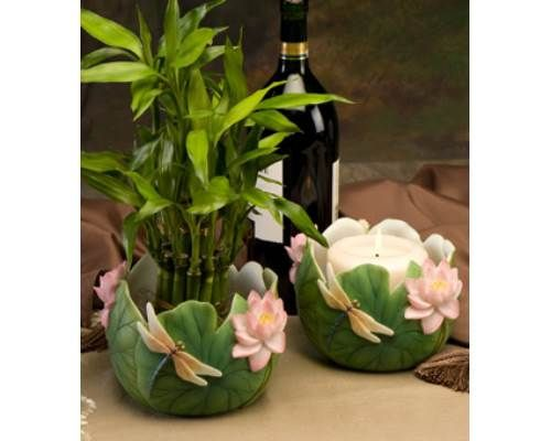 Add a burst of freshness to your home or office with our Dragonfly Cachepot. This Cachepot can be used as a planter, pillar candleholder, or wine holder.