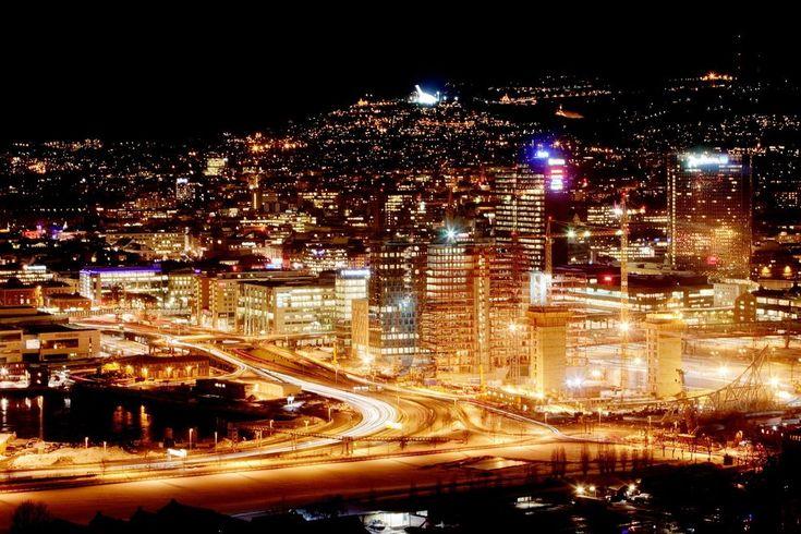OSLO BY NIGHT: Innføringen av nye avanserte strømmålere (AMS) kan gi ondsinnede inntrengere muligheten til å ta over strømforsyningen i et område, som for eksempel her i Oslo sentrum.
