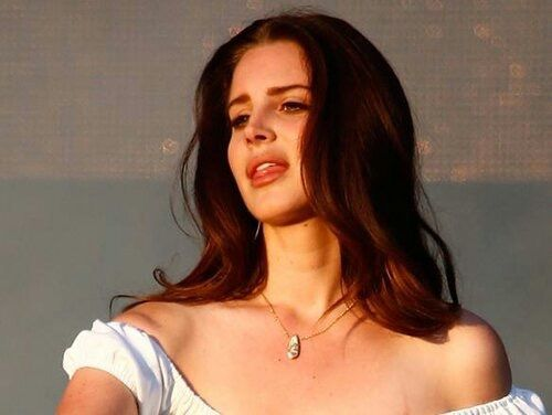 Lana Del Rey performing at