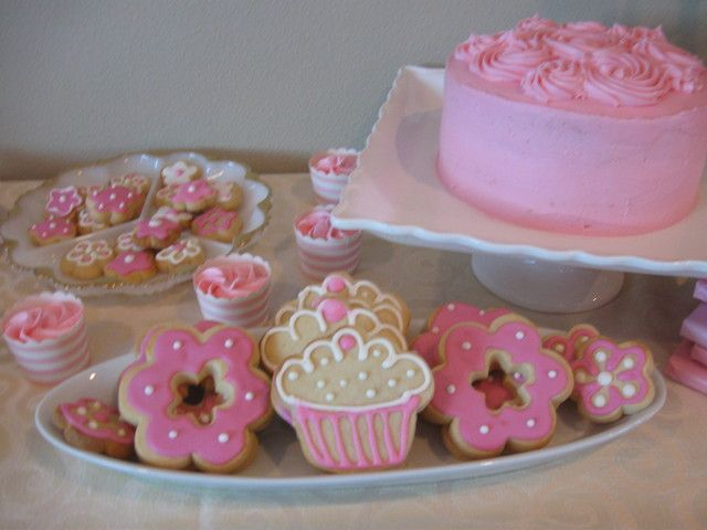 Treats at a Pink Party #pinkparty #treats