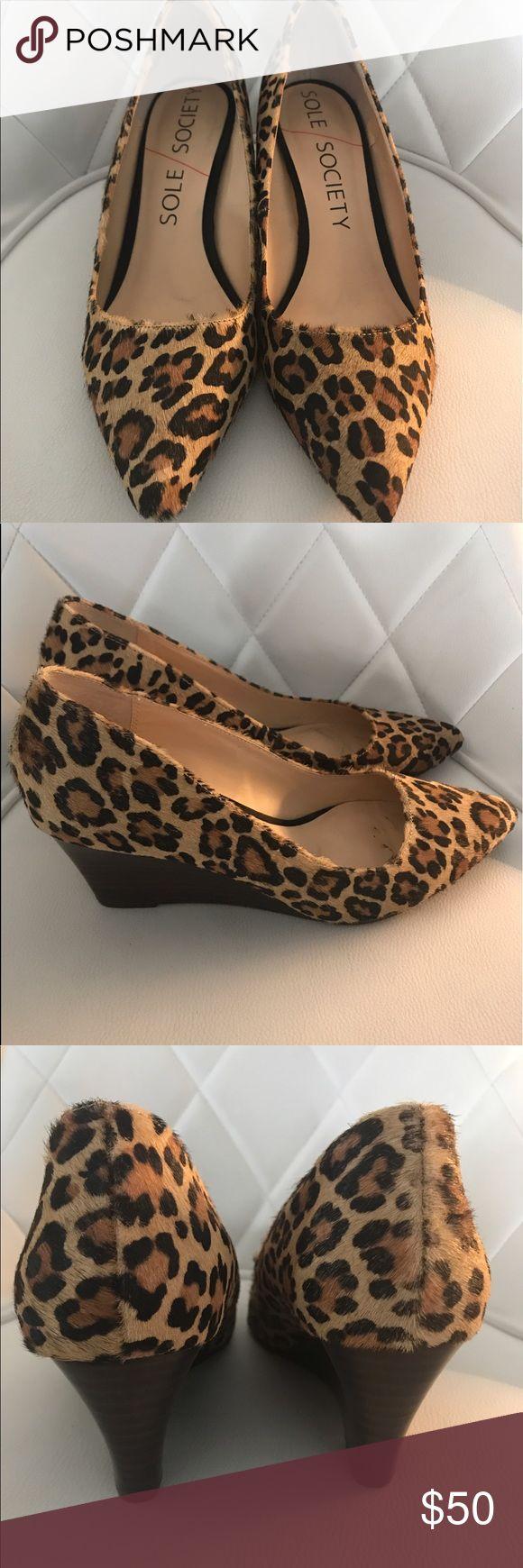 Sole Society JULI Leopard Mid Heel Wedge Size 8.5, gently worn leopard wedge Sole Society Shoes Wedges