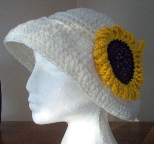 Sunflower Crochet Baby Hat Pattern : 1000+ images about Crochet - Sunflowers on Pinterest ...