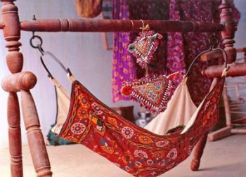 Ghodiyu style hammock with wood frame. Baby Pinterest