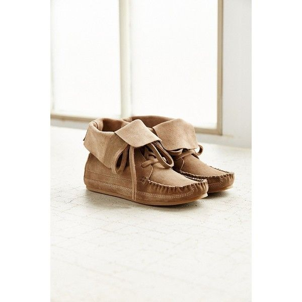 Moccasin Ankle Boot (92 CAD) ❤ liked on Polyvore featuring shoes, boots, ankle booties, neutral, bootie boots, mocasin boots, fold over booties, fold over ankle boots and moccasin booties