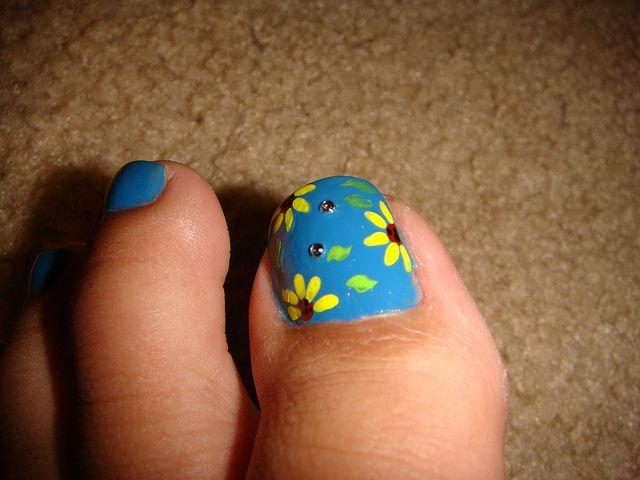 3- Sunflower Toe Nail Art by HaYnCaNdi808, via Flickr