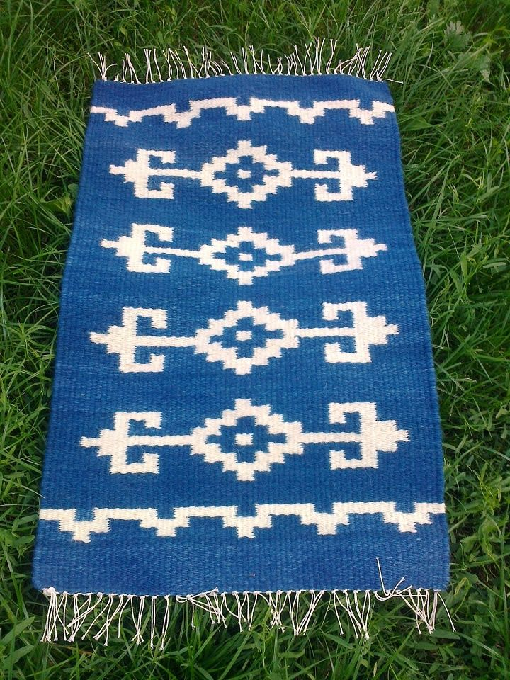 Kézi szövésű gyapjú terítő - hand woven wool cloth - by Anna Zentai - www.zentaianna.hu