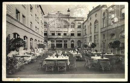 Miskolc Hotel Korona kerthelyisége | Képeslapok | Hungaricana