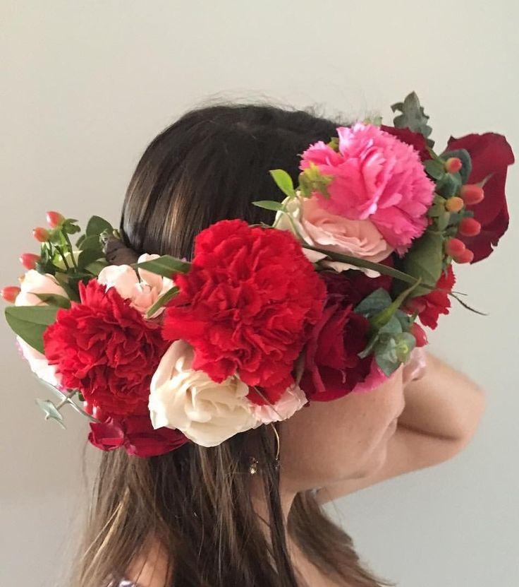 CBP178 weddings riviera maya bride crown with flowers red, pinks and white/ corona de novia roja fuiscia y blanca