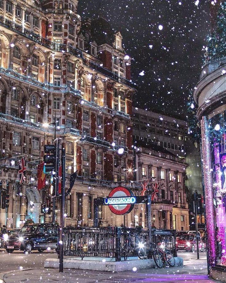 Beautiful snowy London, England