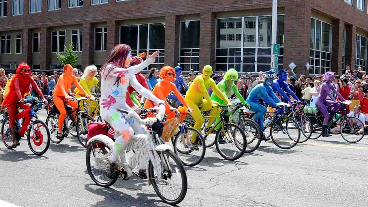 Seattle, rainbow bike ride | Atlasa.cc #travel #photography