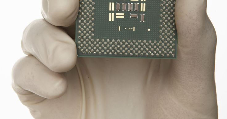 O que é o Intel Max Turbo Frequency?. O Intel Max Turbo Frequency é uma tecnologia que a empresa Intel Corp. de semicondutores desenvolveu para aumentar a frequência de operação de base do núcleo do processador do computador (ou unidade central de processamento). A frequência de operação de base também é referida como taxa de clock, velocidade de clock ou velocidade do processador. O ...
