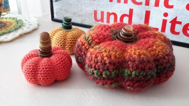 Ravelry: federine's Crocheted Pumpkin Pincushion 3 #Adriafil #Mistero #yarn #selfpatterning
