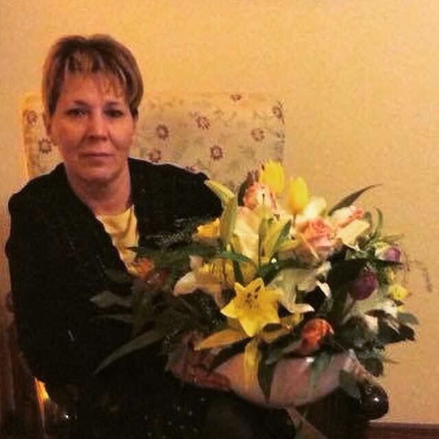 Happy birthday mom A lot of flowers...  Love you mami