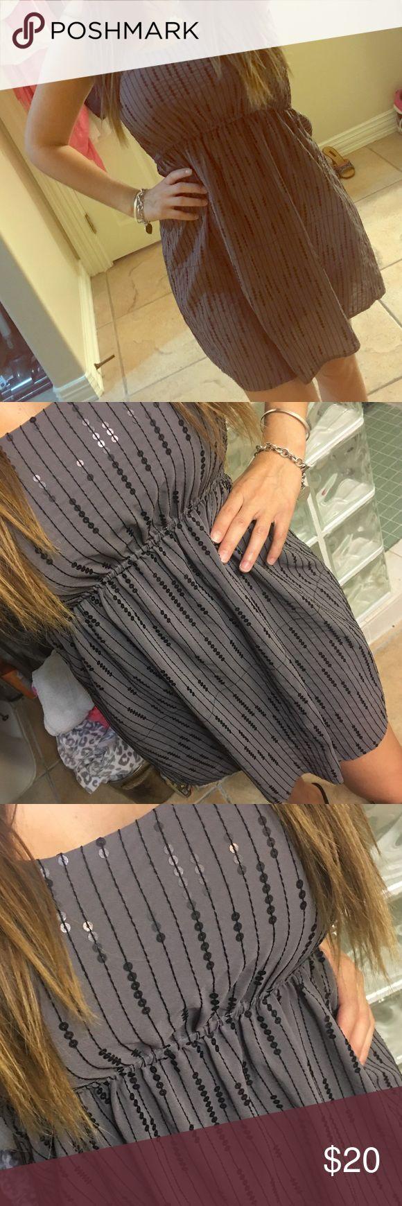 Grey Sequin Dress Grey Sequin Dress with spaghetti straps. Super cute. Excellent condition. Dresses Midi
