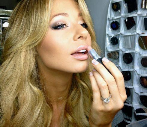 Amazing makeup tools. #musthavemacmakeup
