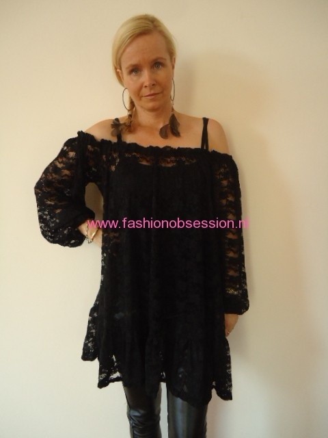Zwart kanten tuniek-jurkje van Jacky Luxury. | FASHION OBSESSION