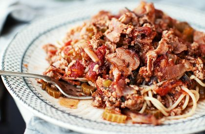 Spaghetti au bacon, au porc haché, aux tomates et aux dattes | Nos recettes | Le Porc du Québec