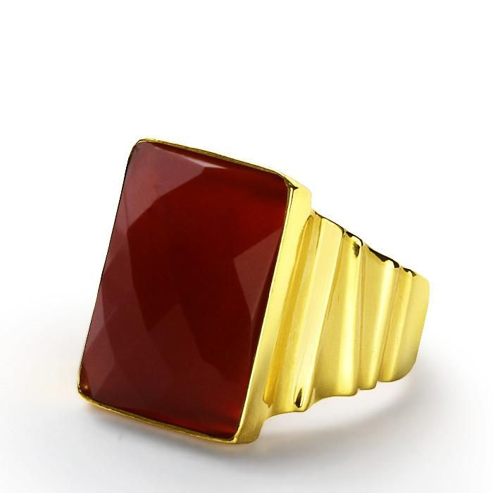 Men's Ring in 14k Yellow Gold with Natural Red Agate Stone #mensbracelet #giftforhim #mensfashionpost #mensjewelryfashion #mensstyle #mensaccessories #sapphire #emerald #ruby #amethyst