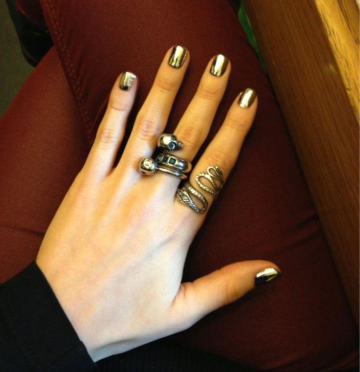 #nail #nailart #cool #rock #ring #skull #silver #nailcare