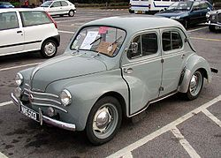 El primer coche que se fabricó en España, el Renault 4/4, cumple ahora 60 años.