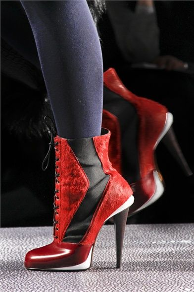 Fendi love this boot, mix of texture and color!