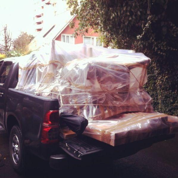 Cargando el auto de muebles para Stgo