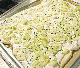 Rezept herzhafter Flammkuchen von kitchenaid112 - Rezept der Kategorie Backen herzhaft