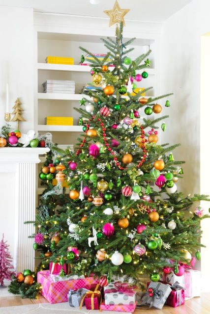 409 best christmas whoville style images on pinterest for Christmas tree color schemes