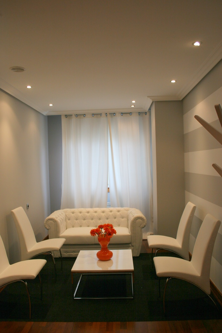 68 best sala de espera en oficinas images on pinterest for Modelos de oficinas modernas